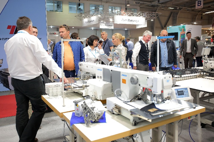 The professionals from the textile industry will meet at the